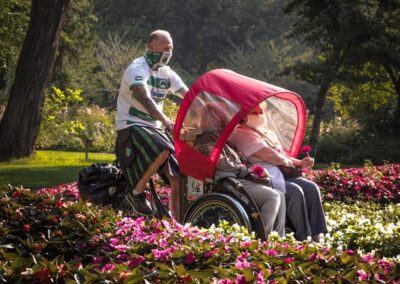 Rikscha Tour mit Senioren